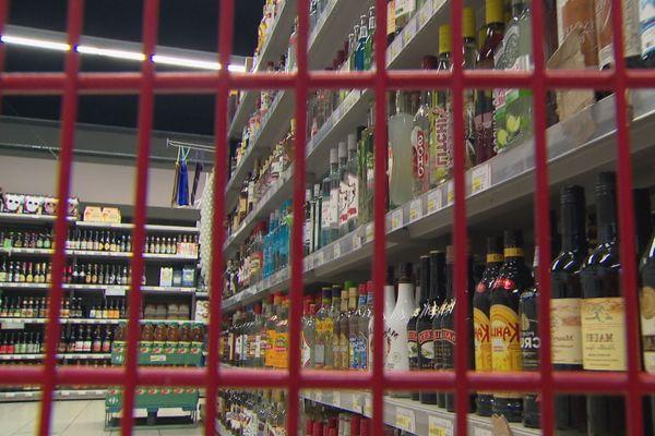 Alcool supermarché caddie