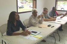 Aux côtés du maire, Chantal Maurice, directrice déléguée d'Orange, a expliqué les difficultés de l'opérateur