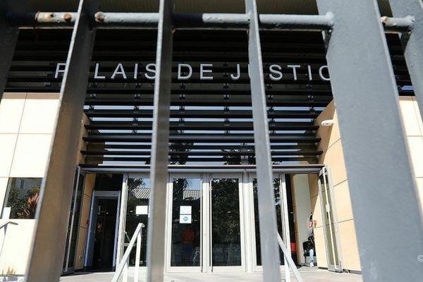 Le tribunal de Saint-Pierre.