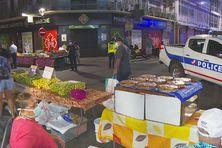 Le marché de Papeete, au lever du jour, ouvert pour ce premier jour de confinement dominical.