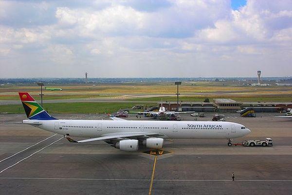 Avion sur le tarmac de Johannesburg