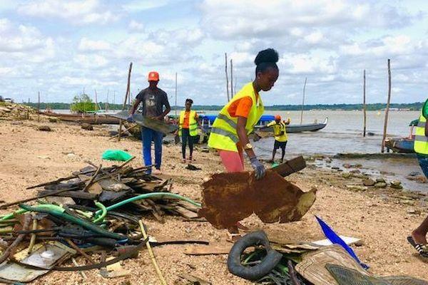 Green days opération nettoyage à la Charbonnière
