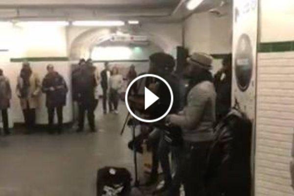 Une chanson de Pepena reprise dans le métro parisien