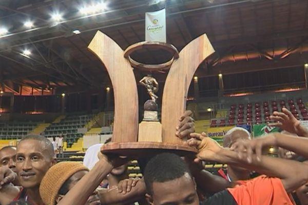 L'Asc tours remporte les plays off de basket