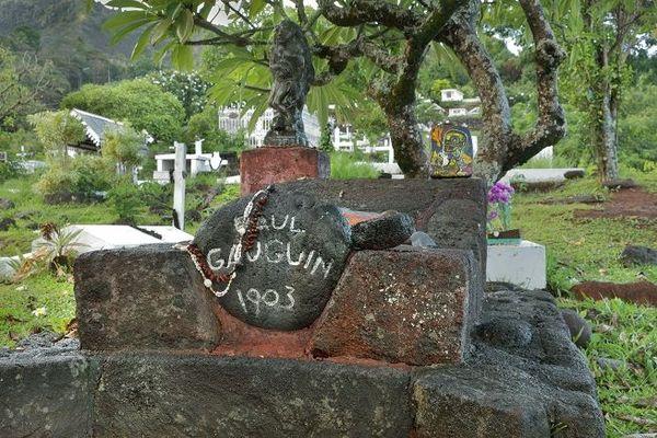 Tombe de Gauguin aux Marquises