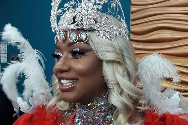 La couronne pour Patricia Thine
