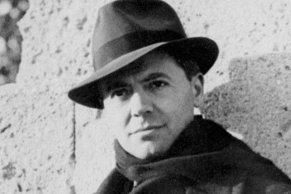 Jean Moulin, préfet et résistant