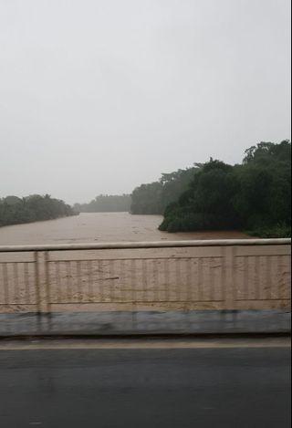 Pont de la Boucan montée des eaux