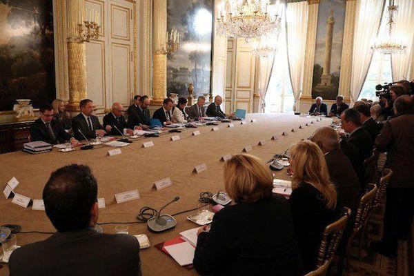 Macron et les élus calédoniens à Paris en octobre 2017