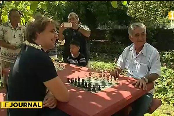 Deux maîtres internationaux d'échecs au fenua