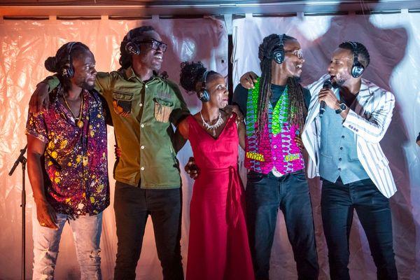 Les artistes de la tournée en silence Lova Jah