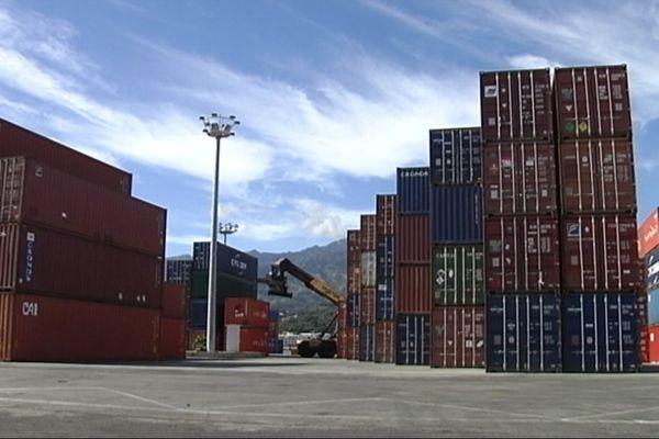 containers port autonome
