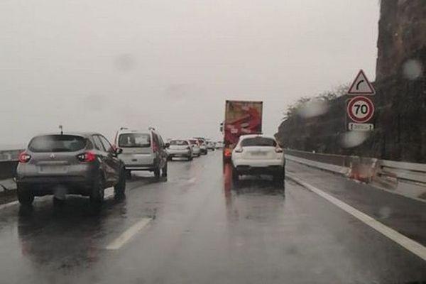 fortes pluies averses nuit route littoral basculée embouteillages 231219