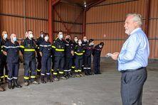 Accueil des membres de la sécurité civile par Jean-François Colombet à Pamandzi