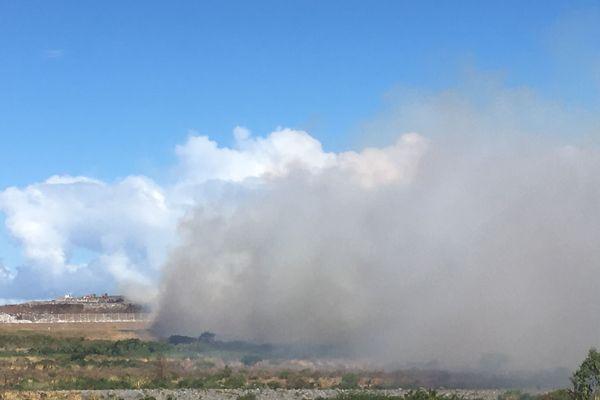 Incendie centre enfouissement Pierrfonds
