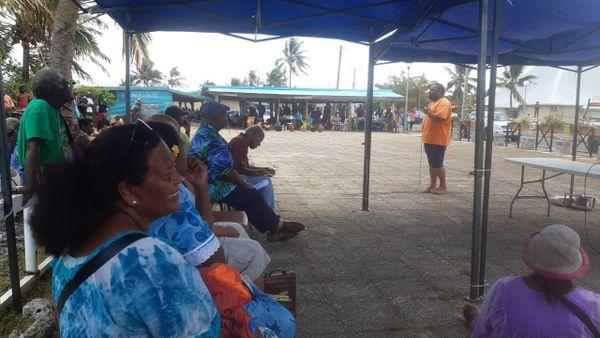 Manifestation coutumiers Lifou devant province des Îles