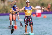 Noïc Garioud aux championnats du monde de stand-up paddle, sur le lac hongrois Balaton.