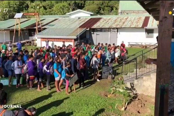 Journée éco citoyenne pour les collégiens de Rikitea