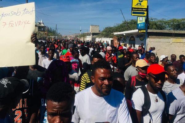 Manifestation Haiti demandant départ Jovenel Moïse 15-01-2021
