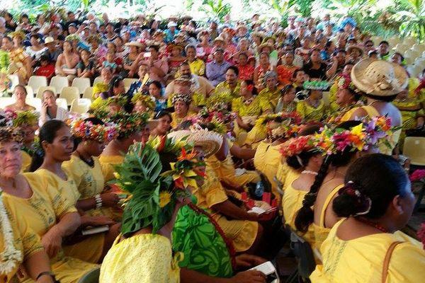 Plus d'un millier de personnes à l'inauguration de l'école protestante de Tahaa
