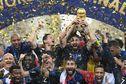 La France remporte la Coupe du monde (4-2 face à la Croatie) et décroche sa deuxième étoile