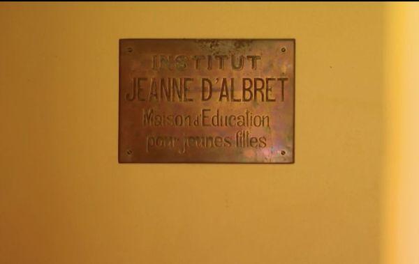 Institut Jeanne d'Albret, plaque