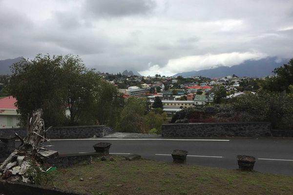 cilaos vue de l'ancien hôtel des thermes qui surplombe la ville en 2019