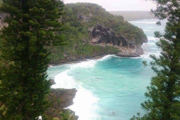 Cyclone Donna Lifou falaises de Joking
