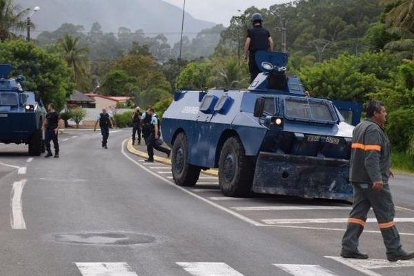 tension nouvelle calédonie, blindés gendarmerie