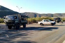 Les gendarmes en place à l'accès à Vavouto, jeudi 22 juillet.