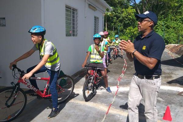 Opération sécurité routière pour les enfants de l'APAJH