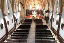 Une messe de Pâques devant des travées vides ? Une situation inédite, à la cathédrale de Nouméa.