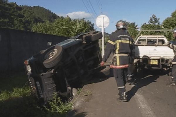Accident entre deux 4x4 à Mataiea