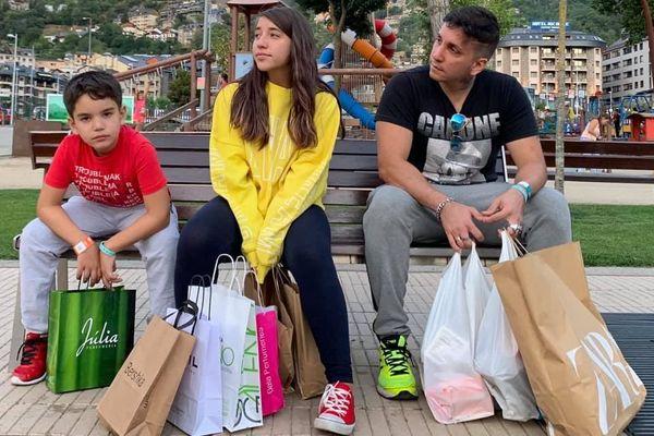 Ariel de Cuba et ses deux enfants
