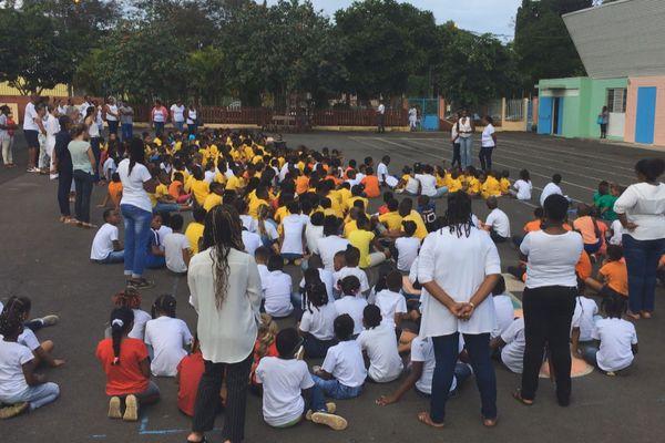 Mouvement contre la violence à Sainte Rose 1