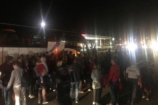 touristes hors du bus