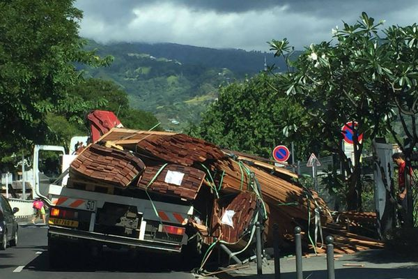 Accident de la route du coté du quai de Papeete