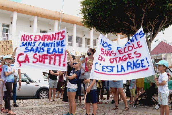 mobilisation de parents d'élèves à St-François