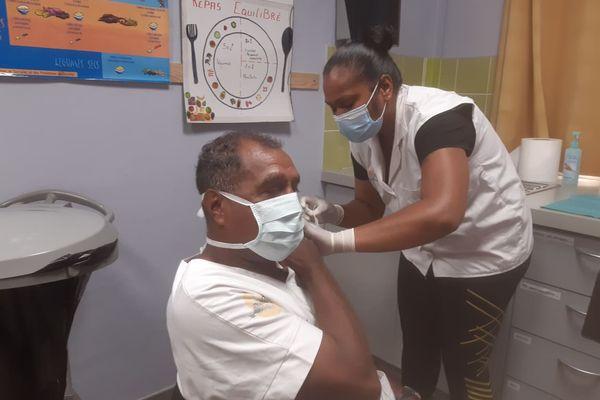 Première vaccination Lifou 16 mars 2021