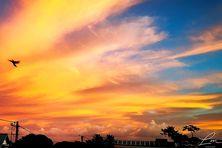 Ciel flamboyant au lever du jour sur Saint-André