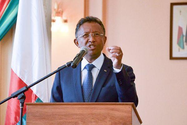 Madagascar : le président conteste sa destitution par les députés