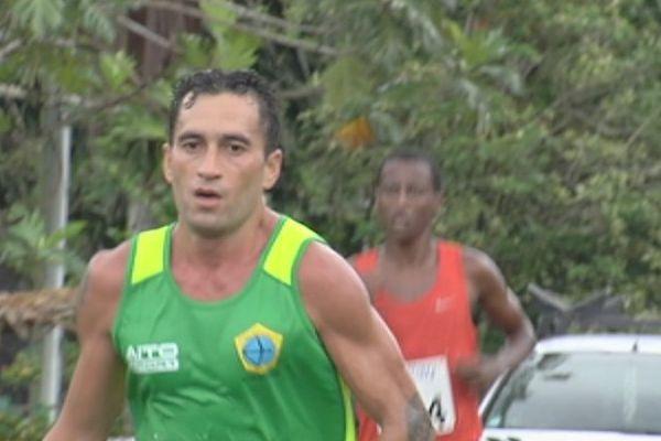 Teiva Izal semi marathon vainqueur