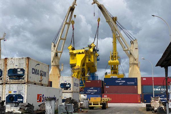 La grue du grand port maritime