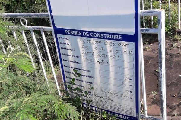 pylône de la discorde à la Circonvallation Basse Terre