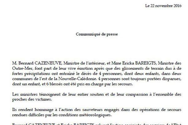 Bernard Cazeneuve et Ericka Bareigts, les ministres de l'Intérieur et des Outremers