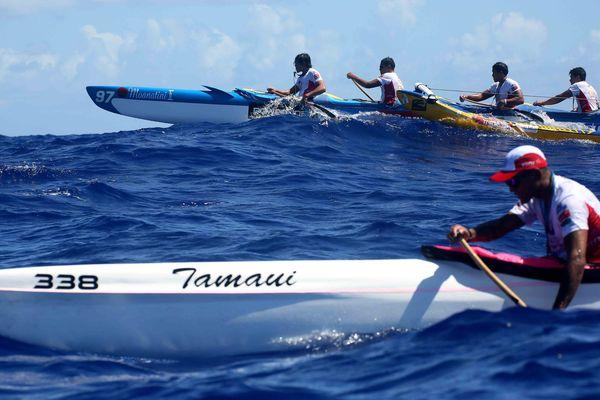 Team Rapa Va'a au combat avec Mou'a Tamaiti no Papara