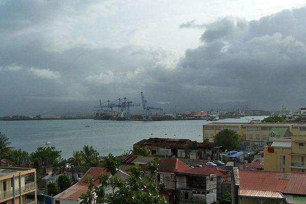 Vue du Grand port de la Guadeloupe prise en juin 2013