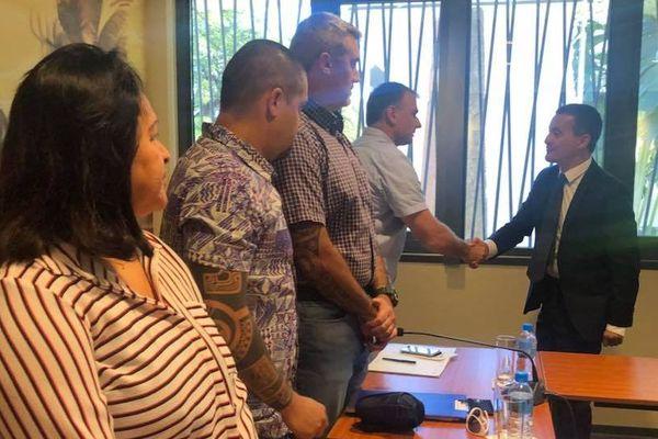 Le ministre de l'action et des comptes publics, Gérald Darmanin, rencontre les organisations syndicales de la fonction publique