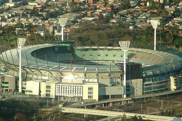 Australie : des milliers de spectateurs testés en raison d'un cas de Covid détecté dans un stade à Melbourne