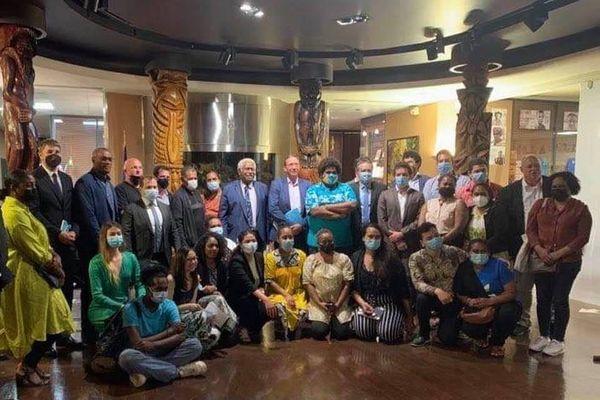 Rencontre politiques calédoniens et étudiants à la Maison de la Nouvelle-Calédonie MNC